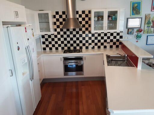 Kitchens, Resurfacing Experts Gold Coast, Australia | A1 Resurfacing